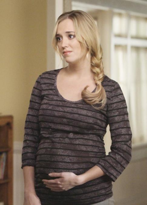 Desperate Housewive : Julie en mode big belly