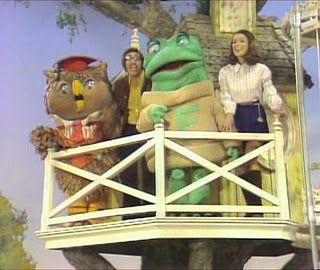 New Zoo Revue ... with Doug, Emmy Jo, Henrietta, Freddie and Charlie!