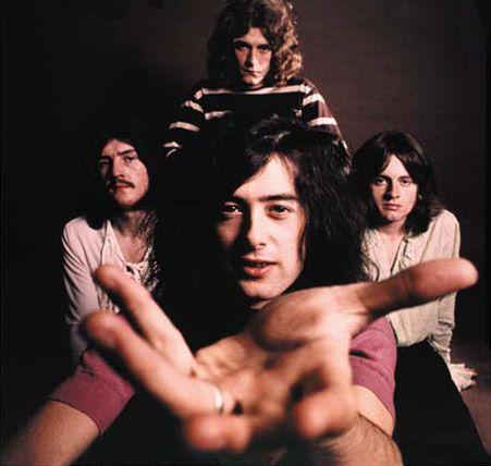 El próximo 3 de junio la banda lanzará los discos: Led Zeppelin,Led Zeppelin II, and Led Zeppelin III, la banda prepara un extenso programa de re-lanzamientos de sus nueve discos de estudio en orden cronológico, todos remasterizado por el guitarrista y productor Jimmy Page. Led Zeppelin abrirá el baúl para compartir docenas de tracks inéditos y sesiones de grabación en vivo nunca antes escuchadas, ya que cada disco incluirá un Segundo CD lleno de música y material relacionado con ese ...