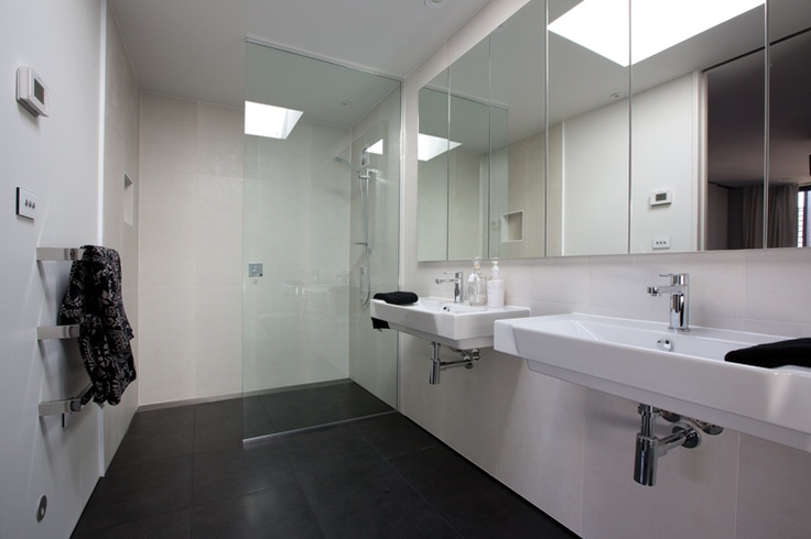 Distinct Homes - bathroom