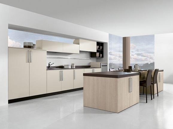 Cucina lineare finitura bianco seta con penisola centrale rovere sabbia con piano sp 6 cm - Piano cucina laminato ...