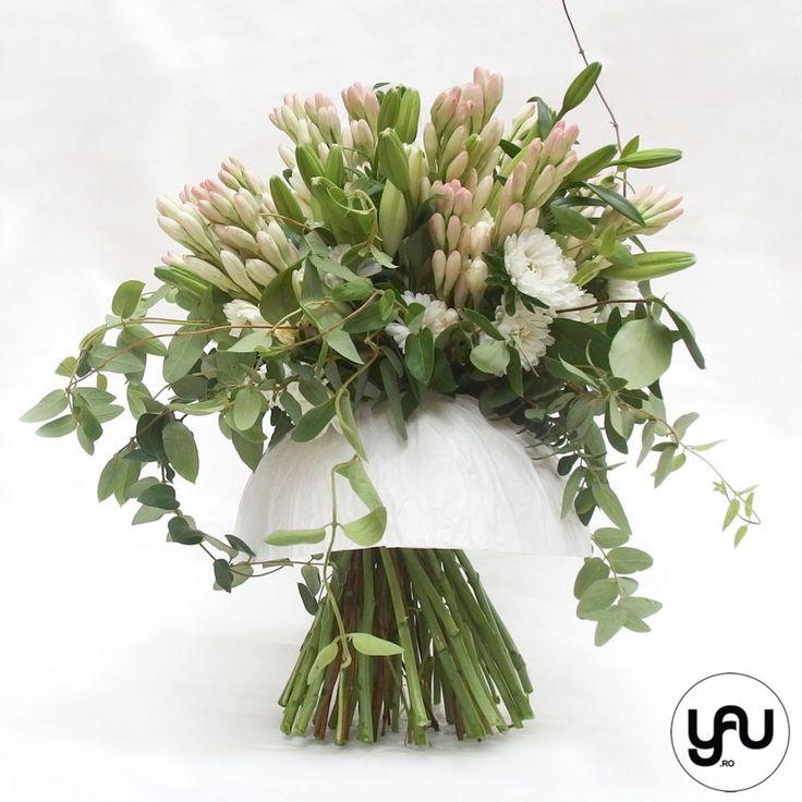 buchet-tuberise-crini-crizanteme-caprifoi-_-yauconcept-_-elenatoader-3