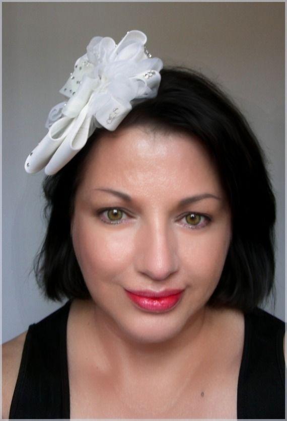 Bibi/Coiffure de mariée - Fleur - Blanc/Ecru - Fleur Satin, Soie et Strass - Mariages, cérémonies, Cocktails... : Chapeau, bonnet par ladyplazza