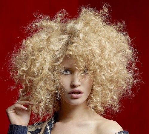 2016 saç kesim modelleri ve renkleri sarışın kıvırcık saç modeli