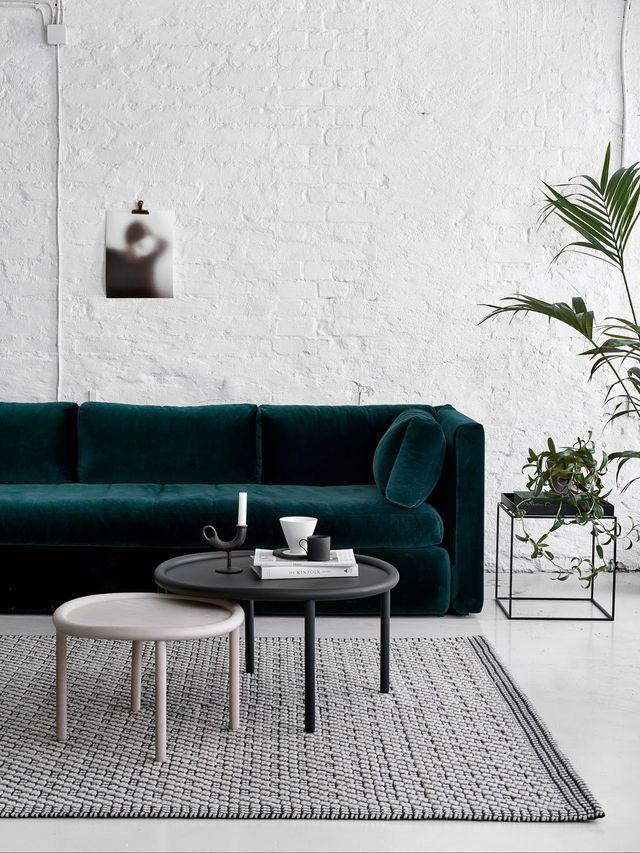 Living Room Ideas 2016: 20 Side & Coffee Tables For Coffee Lovers ➤ Discover the season's newest designs and inspirations. Visit us at www.brabbu.com/blog #sidetabledesign #coffeetabledesign #roundcoffeetables @brabbu