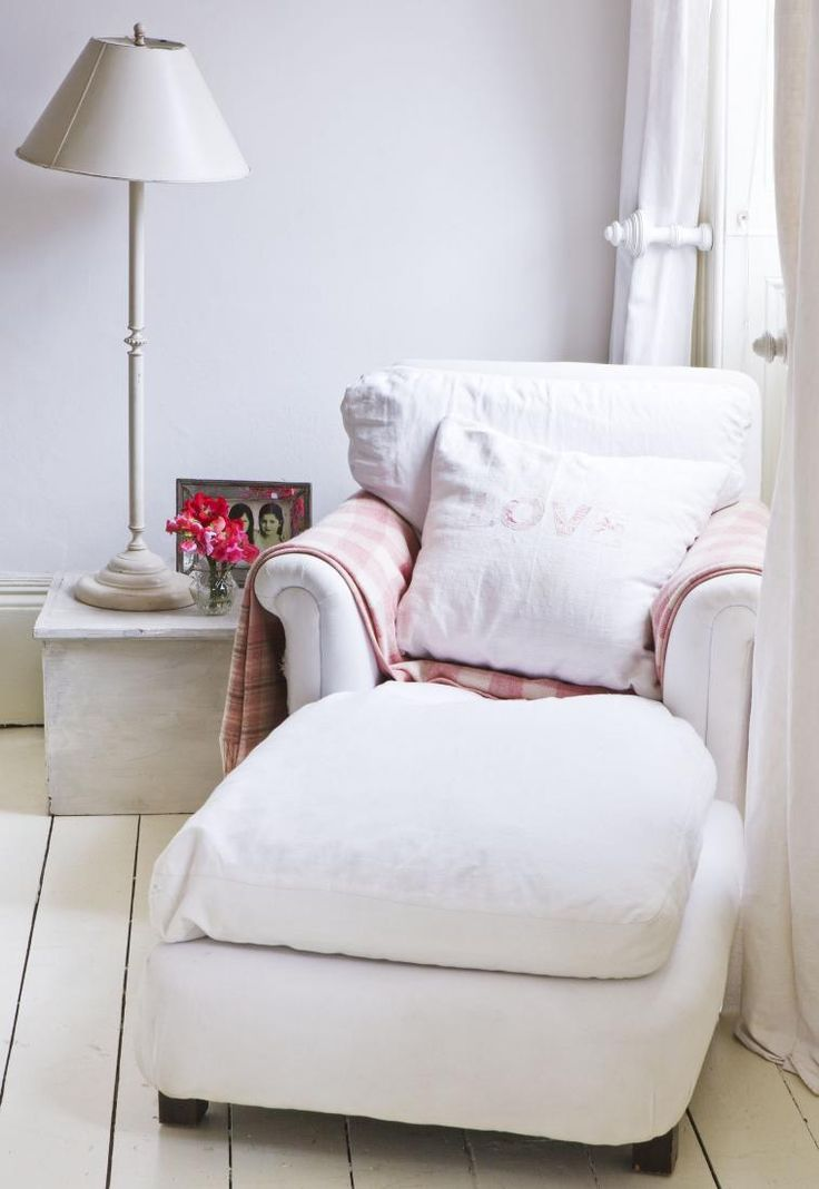 17 Best Ideas About Comfy Reading Chair On Pinterest