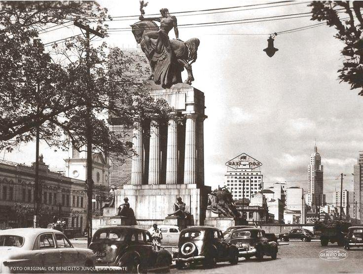 Av. Tiradentes - 1952 Monumento a Ramos de Azevedo