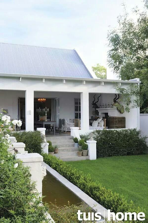 Beautiful verandah with water feature