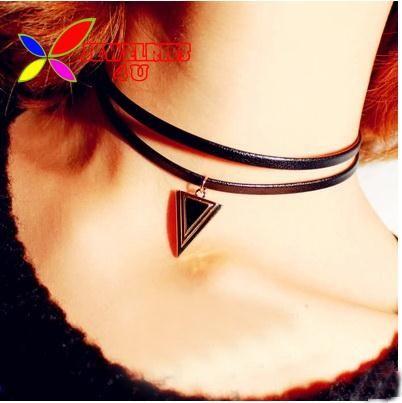 2014 nouveau cuir sautoirs mode punk noir en cuir triangle charm collier colliers pour femme bijoux gros 2 designs dans Tours de cou de Bijoux sur AliExpress.com | Alibaba Group