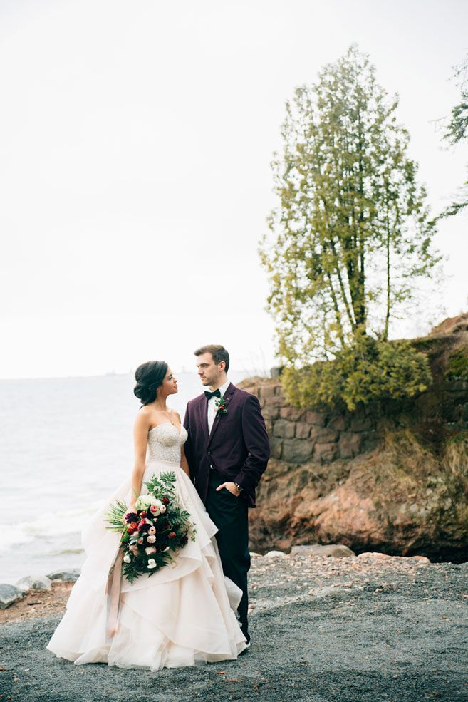 Minnesota A Magical Autumn Styled Shoot at the Glensheen Mansion