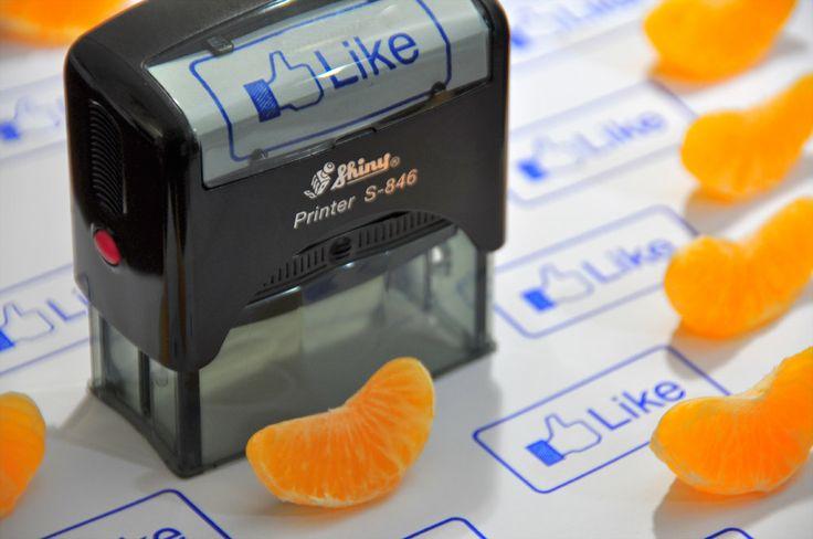 Large Self-Inking Facebook Inspired Like Stamp.... teachers should use this for grading!Selfink, Stuff Apples, Teachers Gift, Large Self Ink, Facebook Likes, Facebook Apples, Apples Stuff, Facebook Posicionamientohotel, Facebook Inspiration