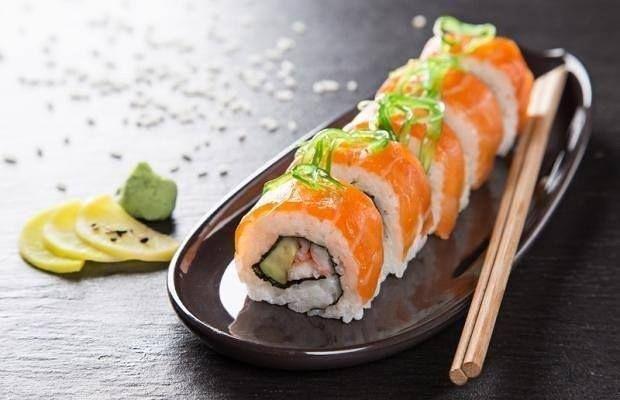 Não há nada melhor que uma quarta fantasiada de #sexta. Para iniciar o #feriadão nossa dica não pode ser melhor que uma comida japonesa daquelas. O #ViaChina em Botafogo é o lugar ideal para os apreciadores da culinária oriental. Se você curte não deixe de experimentar os sabores da casa. Saiba tudo sobre o #restauranteviachina no nosso site myrestaurant.com.br #restauranterj #myrestaurant by myrestaurant_br http://ift.tt/1ViDRLf
