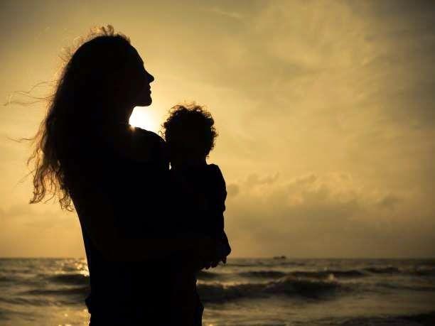 eniaftos: How oxytocin makes a mom: Hormone teaches maternal brain to respond to offspring's needs