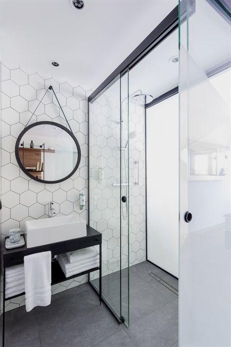 aménagement salle de bain; carreaux de ciment salle de bain; touche