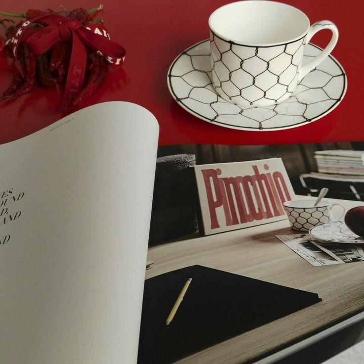 La collezione #Ferri di TAITÙ è stata scelta da B&B Italia, iconico brand di contemporary international design. Nel book «B&B Italia Home n. 13», la pubblicazione di carattere lifestyle dell'azienda comasca, l'eleganza di FERRI impreziosisce il set «Open Doors». A fare da sfondo, uno appartamento a Parigi in stile Napoleone III, cui si contrappongono il design in bianco&nero della collezione FERRI e altri elementi di arredo dal tratto innovativo, in un gioco di rimandi e armonie tra passato…