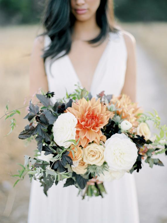 Copper autumn wedding inspiration | Photo by Ashley Kelemen Photography | Read more - http://www.100layercake.com/blog/?p=80054