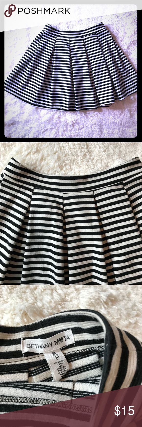 Bethany Mota Aeropostale Skater Skirt Size Small Bethany Mota Aeropostale Juniors Size Small Black White Striped Pleated Flared Skater Mini Skirt. Zips in back, excellent like new condition.  Measurements laying flat across is 12 inches at waistline  Length is 15 inches  53%n Cotton 45% Polyester 2% Spandex   Check out my other items, adding daily. Bethany Mota Skirts Circle & Skater