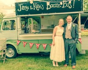 Super cute mobile bar. Used for wedding cream teas, champagne, cocktails... anything! Ideal for country and rural weddings.