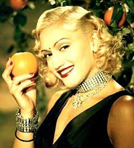 Classic photo of Gwen. I remember idolizing this photo in 7th grade.