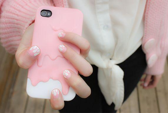 pink nail and iPhone