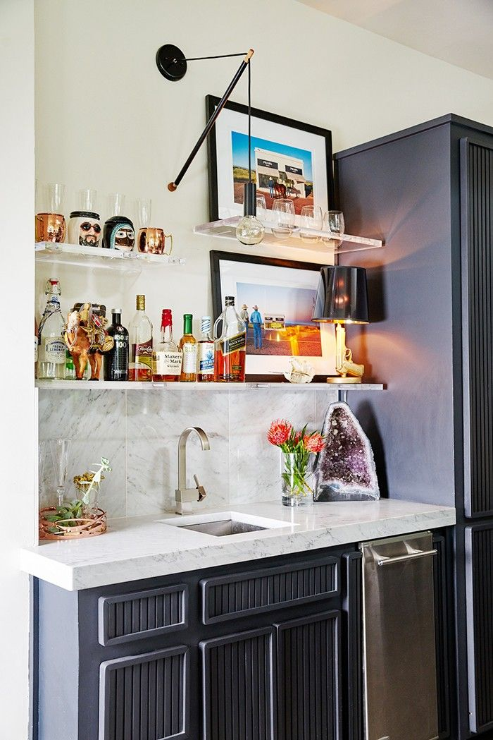 https://i.pinimg.com/736x/95/57/7f/95577f12fe6b1bae863c5cfb8947664b--marble-countertops-home-bars.jpg