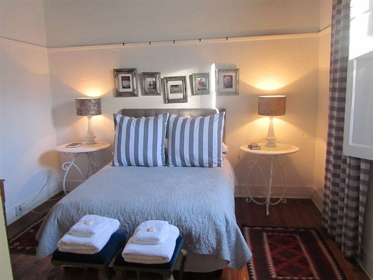 Plumbago Cottages - Plumbago Cottages is situated 1 km from Robertson town centre, and consists of the main cottage which comprises of three bedrooms, a bathroom, kitchen, and living room. The other two cottages each have ... #weekendgetaways #robertson #southafrica