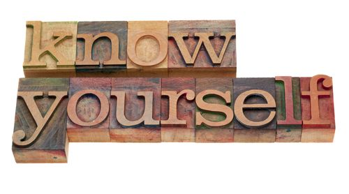 Know Your Internal IT Buying Center. Purchasing outsourced IT services can be complex but much of that intricacy is birthed within the organization.  Comprehending and navigating your own internal buying center can sometimes be the most perplexing part of the equation.  To simplify the process, any IT purchase should begin with an assessment of the goals of the organization.