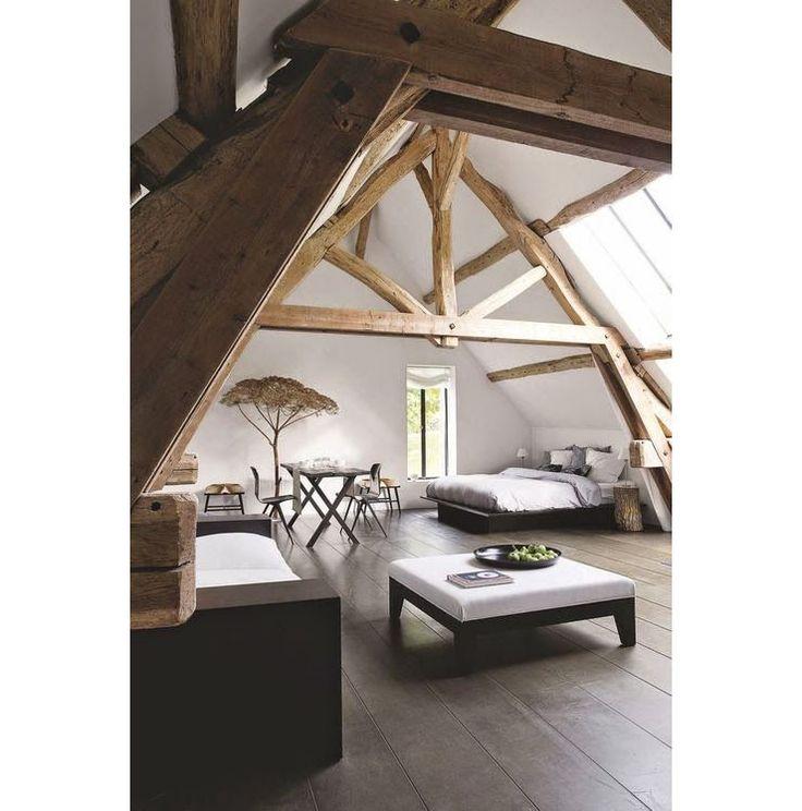 Slaapkamer met balken plafond