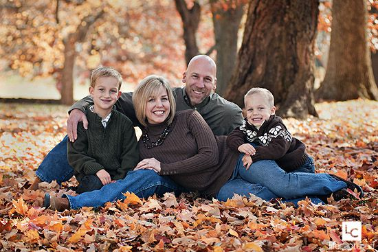 FamilyFall Families, Photos Ideas, Families Pictures, Fall Leaves, Fall Family Photos, Photography Families, Colors Schemes, Families Photos, Fall Family Pictures
