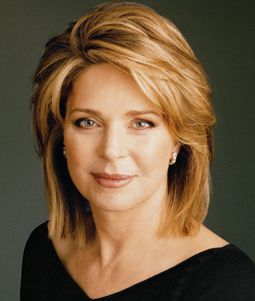Queen Noor, Queen of Jordan. An amazing woman; American Born- Lisa Halaby became the queen of Jordan after her marriage to King Hussein.