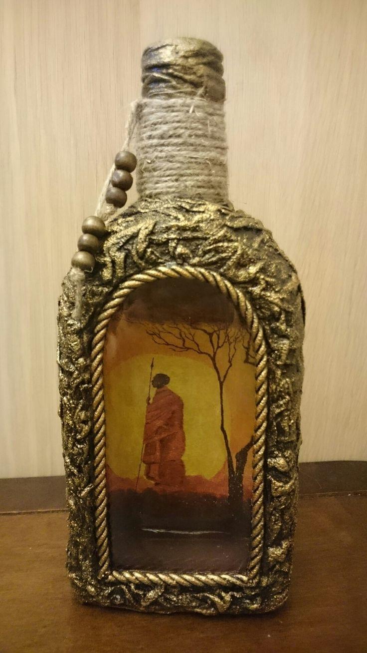 """стеклянная бутылка, одноразовые тряпки, гипс, акриловые краски чёрная и """"бронза"""""""