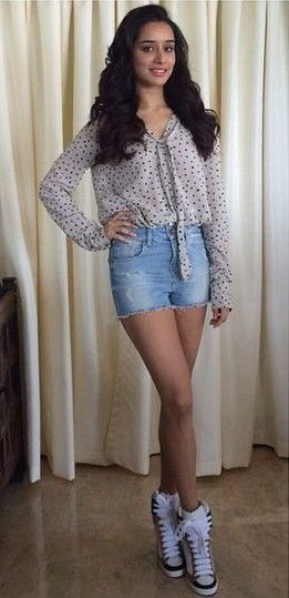 The blue denim shorts that Shraddha Kapoor is wearing