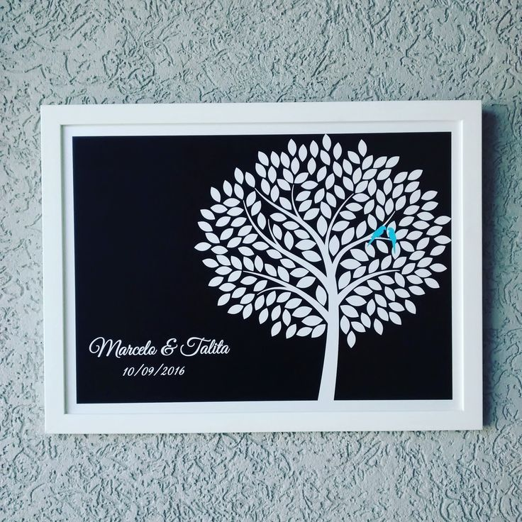 Lindo quadro de assinaturas para seu casamento.  Os convidados assinam nas folhas da árvore e depois vc usa o quadro na decoração de sua casa.  Este modelo com 179 folhas p/ assinaturas.     - Tamanho 36.5x48,5cm  -Moldura em madeira de 2cm  - sem vidro  - pôster impresso em papel especial Classi...