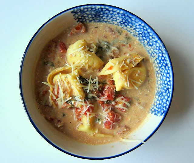 Recipe: Easy Crockpot Creamy Tortellini with Spinach - Quaintrelle