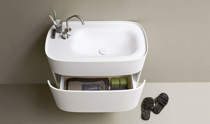 Bagno moderno stile giapponese, Vasche da bagno centro stanza in Korakril