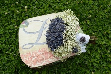 Lavander bride bouquet