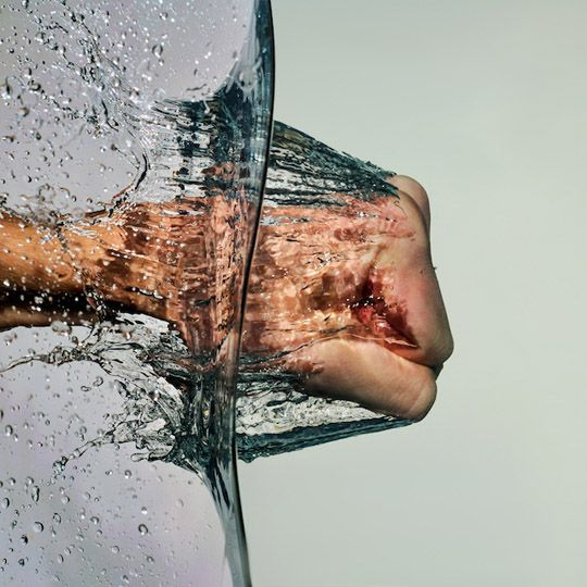 water fist: Hands, Cool Pictures, Fish Tanks, Camera, Water Wall, Action Photography, Cool Pics, Photography Tutorials, Shutters Speed