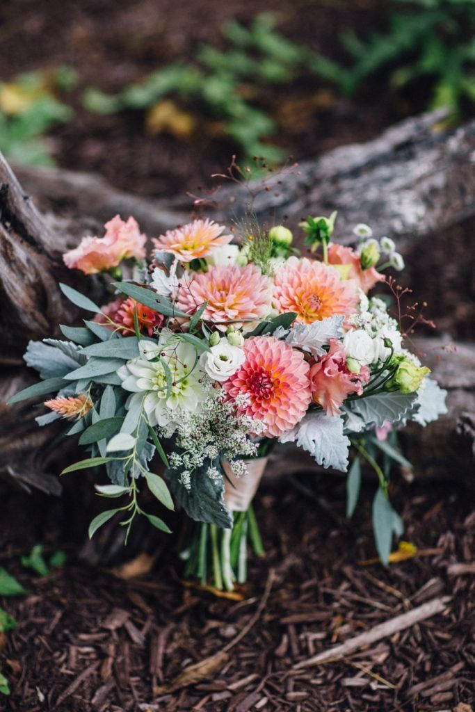 Rustic Pink Wedding at The Lodges at Gettysburg|Photographer: Katy Sergent Photography & Design