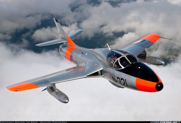 Hawker Hunter T8C aircraft picture