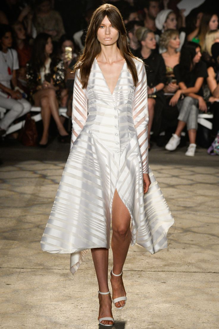 Trend: Midi Length & High Slit // Christian Siriano Spring 2016 Ready-to-Wear Fashion Show