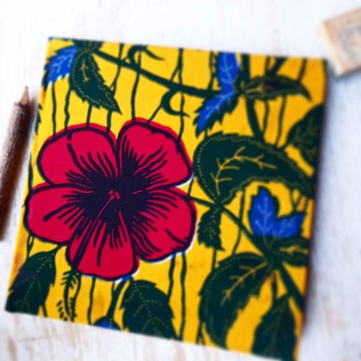 HIBISCUS... on a square notebook/scrapbook/photo album... #winningcombo #hibiscus #square #carre #photoalbum #scrapbook #notebook #stationery #stationeryaddict #uniwax #waxcotedivoire #cotedivoire #ivorycoast #africa #afrique #ebonyandtamiah #tamiahaccessories #ebonyauthenticfabrics #accessories #flower #flowerpower #redflower #redhibiscus #fleurrouge #fleurdhibiscus #fleurdhibiscus