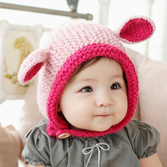 寒い冬、おしゃれと防寒両方できちゃうおしゃれアイテムニット帽。売っているものもかわいいですが自分で手作りするのもおすすめです♪彼氏や友達に手作りニット帽のプレゼントをしてみるのはいかがでしょうか?今回はそんな手作りニット帽のご紹介をしようと思います