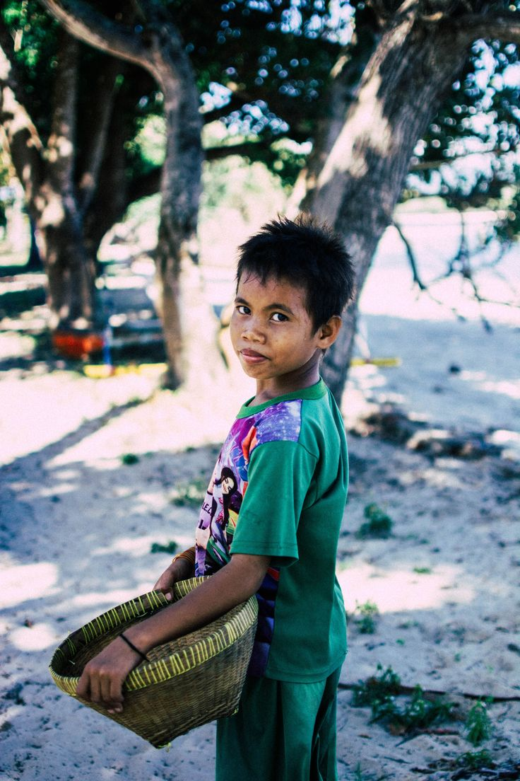 Mr. Johnny out for the days work! So young, so strong, so humble and SO HAPPY!   📷@nytyalucaphotography  #johnny #inspiration #villagelife #happy #humble #lombok #island #culture #indonesia #photography #gili #giliislands #secreteislands #discoverindonesia #travelindonesia #uniquedestinations #travel #beautifulpeople #portrait #happykids #lombokbarat #travelpic #lombokguide #mylombok #travelasia #beautifulindonesia #photooftheday #exploreindonesia #southlombok #explorelombok ⠀