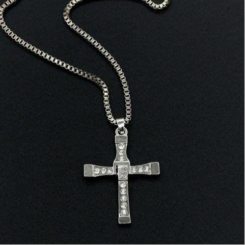 メルカリ商品: ワイルドスピード ドミニク 十字架ネックレス #メルカリ