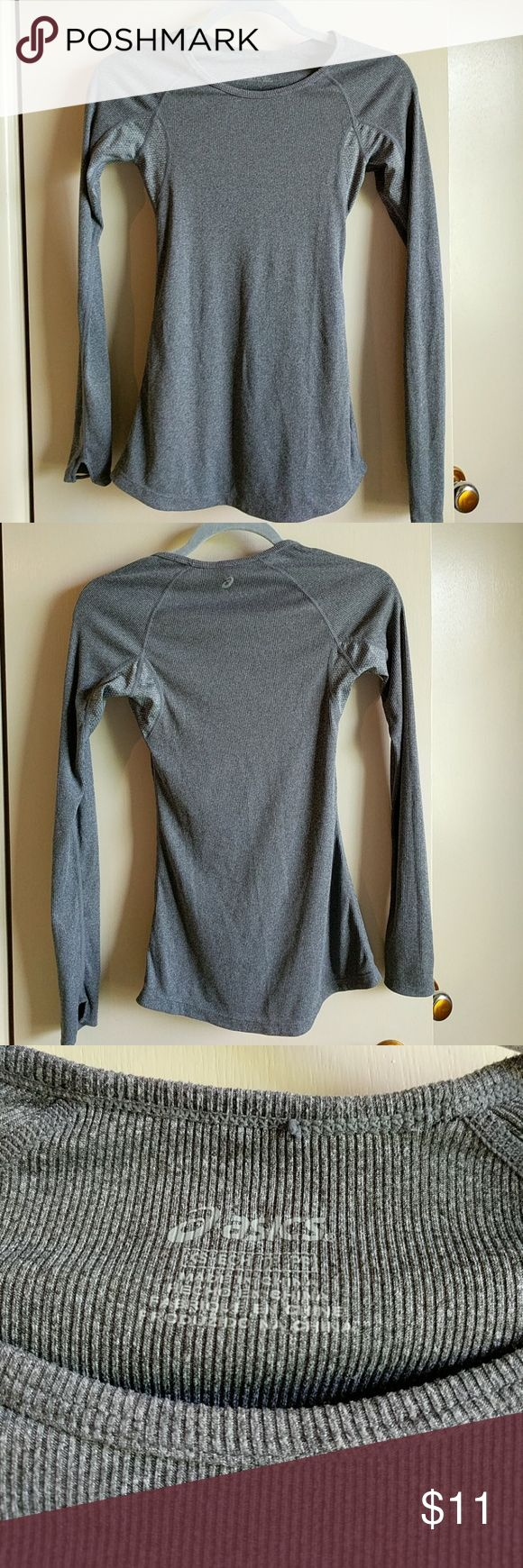 OASIS/ ribbed long sleeve shirt Oasis ribbed long sleeved grey shirt. Has thumb holes and breathable fabric in the armpit area. In excellcent used condition. Great cold weather work out top. Oasis Tops Tees - Short Sleeve