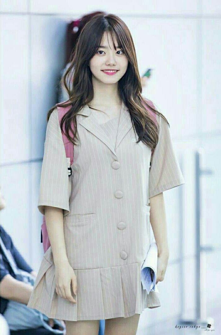 Kim Sohye - I.O.I Mais uma com esse look, por que ela ta muito fofa!