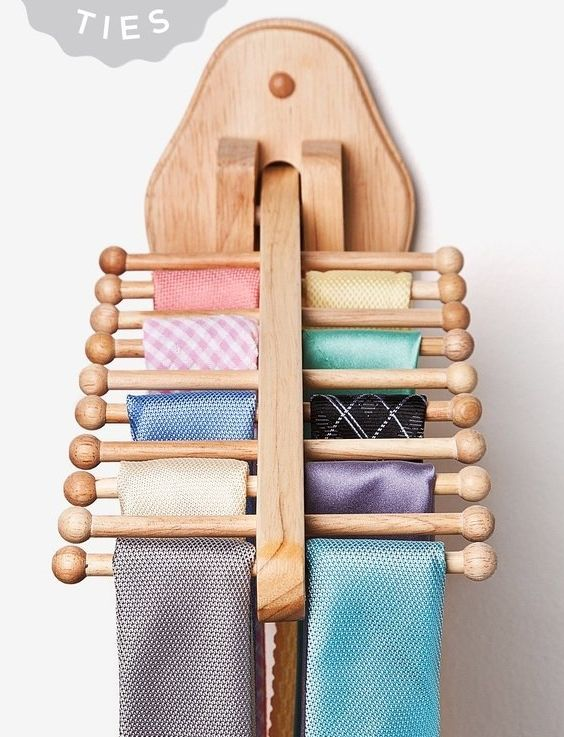 Natural Wooden Tie Rack