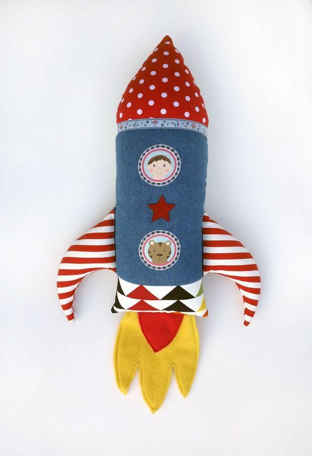 Kissen Rakete // pillow rocket by Matroschkas & Friends via DaWanda.com