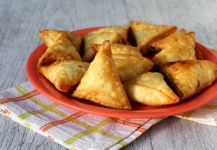 Crispy Onion Samosa - one of India's classic evening snack. Popular as Irani samosa, it has a crisp exterior with a spiced onion stuffing.