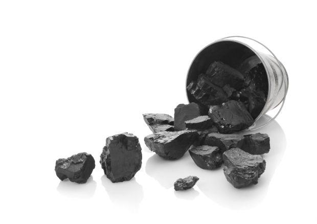 Tudtad, hogy a méregtelenítésre a legegyszerűbb és leghatásosabb csodaszer a faszén? Pontosabban az orvosi szén, ami külsőleg és belsőleg ...